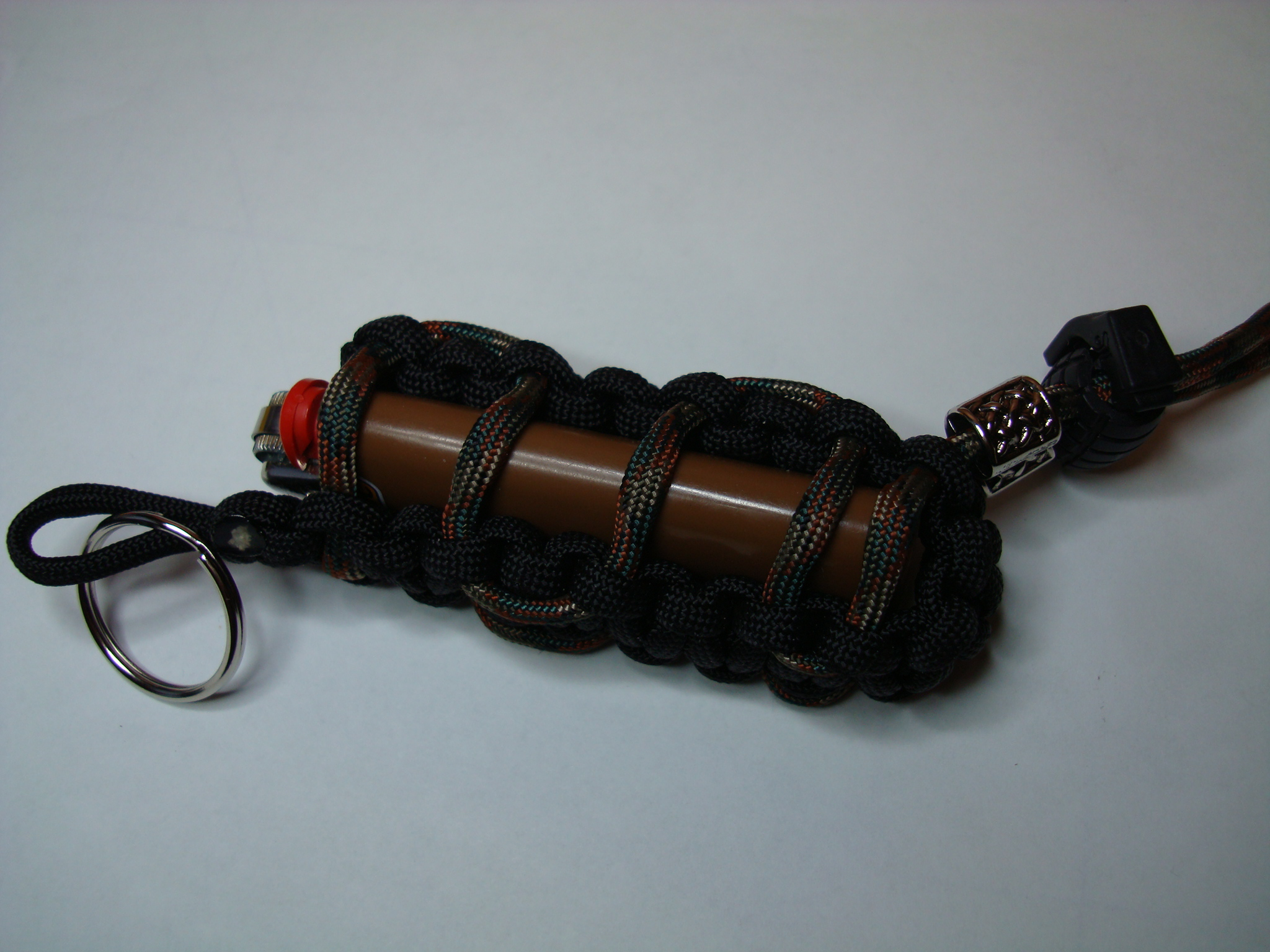 Lighter holders paracord country for Paracord lighter holder